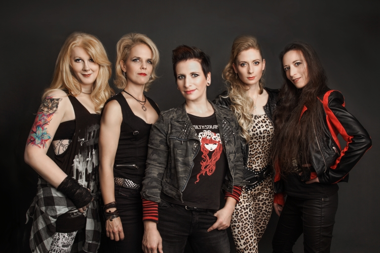 Revolution eve de @ Female Metal Event